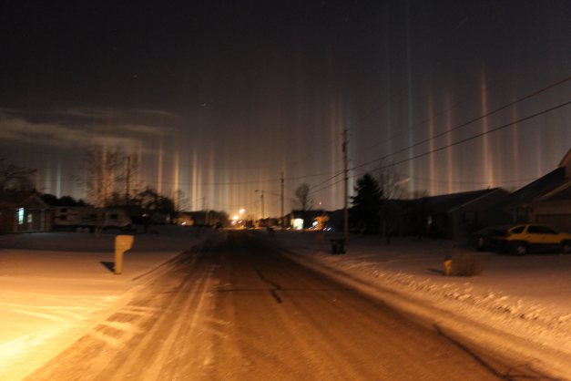 Mystifying 'Light Pillars' Shine in Ohio 1-22-2014 More Pictures Here: http://fox8.com/2014/01/22/pics-mystifying-light-pillars-shine-in-ohio/