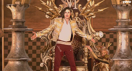 Then things become extremely Masonic. The entire background behind MJ turns into a checkerboard pattern – as used on the ritualistic floor of Masonic lodges.