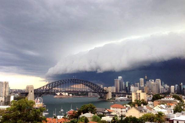 'apocalyptic' Australian storm 3-5-2014