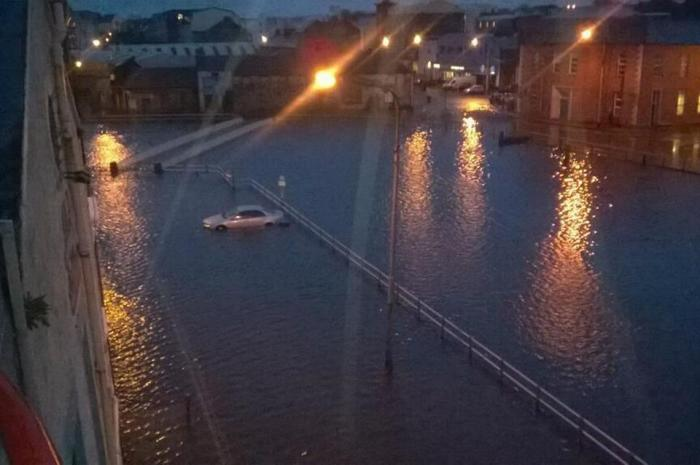 Parts of Cork city were left submerged in several feet of water and devastated business people and homeowners were left counting the cost after the River Lee bursts its banks for the second time in three days. 2-04-2014