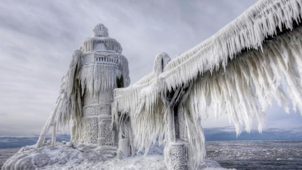 The St. Joseph Lighthouse on North Pier, Lake Michigan, on Jan. 6, 2014; Photographer: HotSpot/Landov