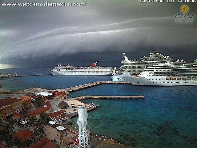 amazing shelf cloud capture. This beast of a storm was caught in El Cid, Mexico 3-6-2014, on a local webcam.  Via: Stavros Kesedakis