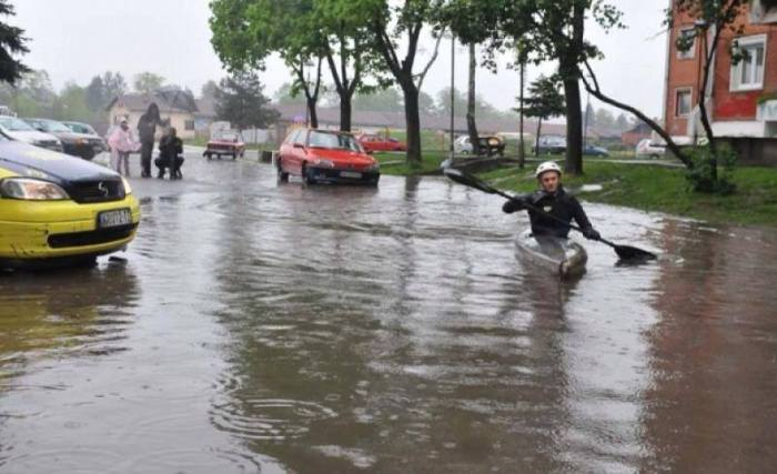 4-19-2014: Excessive rain threat continues across parts of central Balkans under the upper low, here is today's flooding in Kraljevo, Serbia. Thanks to Andreja Markovic and our partners SerbianMeteo for the report. Source: Andreja Markovic / SerbianMeteo