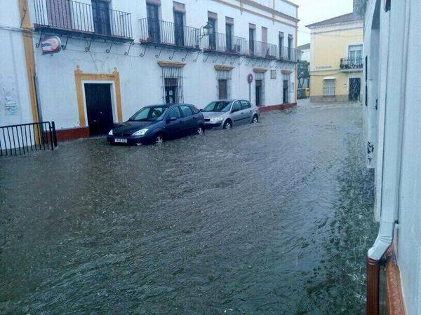 4-20-2014: Local flooding in Moguer, province of Huelva, Andalusia, Spain today. Source: @BeaMoreno21 via. @InfoMeteoTuit (Twitter)