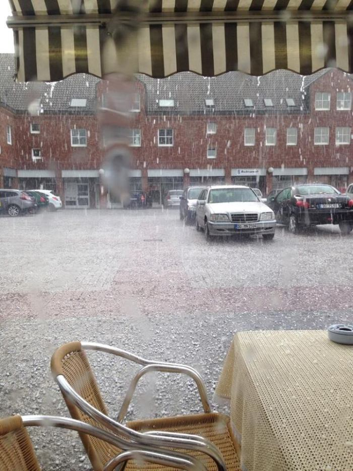 4-23-2014: Heavy thunderstorm with marginally large hail reported in Dortmund, Germany awhile ago. Source: MRKSWGBLS via twitter @mwigbels