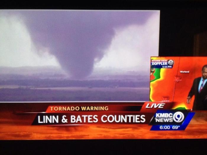 4-27-2014: Large tornado on the ground near Hume. Missouri.
