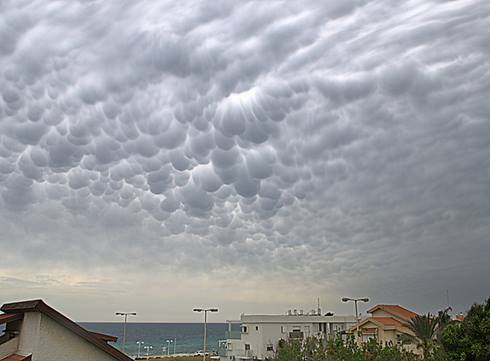 4-19-2014: Clouds over Nahariya, Israel today.  Source: Ynet.co.il via. Samuel Zinn
