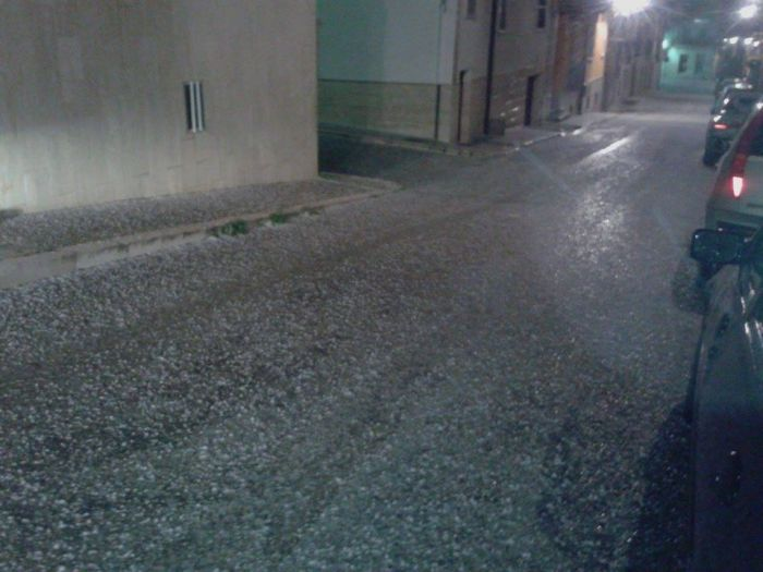4-17-2014: Hailstorm in San Giovanni Rotondo (SE Italy).