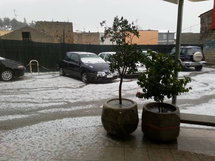 4-12-2014:  Hailstorm in Rionero in Vulture (Basilicata, south Italy). Photo: Luciano Denik via. MeteoWeb.eu