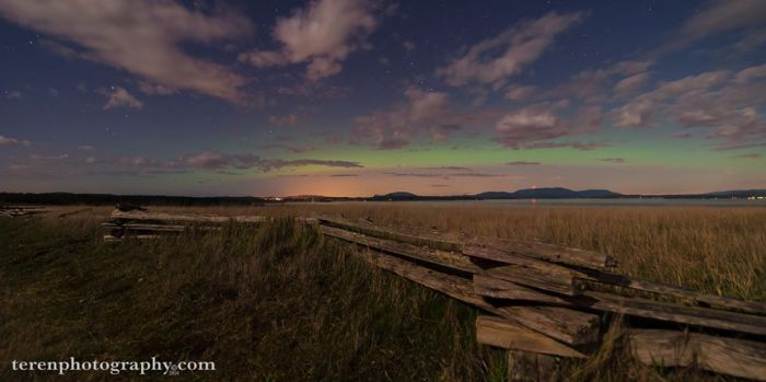 """Northern Lights over the San Juan Islands, 2:00am PST April 12, 2014 https://facebook.com/terenphotography"