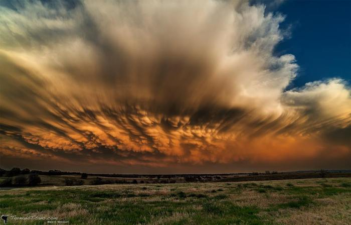 4-3-2014: Here is a spectacular colorful backside of a convective line across the NE Oklahoma. A view over the mammatus illuminated with sunset colors is just incredible!
