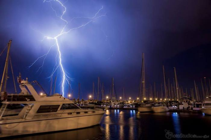 4-12-2014:  Lightning shot from Torrevieja, SE Spain last night by Fabio Sampedro.