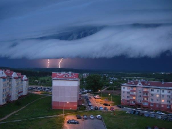 5-18-2014: storm in the Ukraine. Source: Andrey Fyodorov / VK
