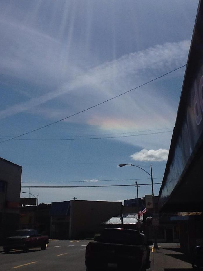 """6-11-2014: via Balez Oh'Hops Hanger: """"Washington state is under a chemical rainbow with the worst spraying I've seen in a long time. One even did a full circle."""""""