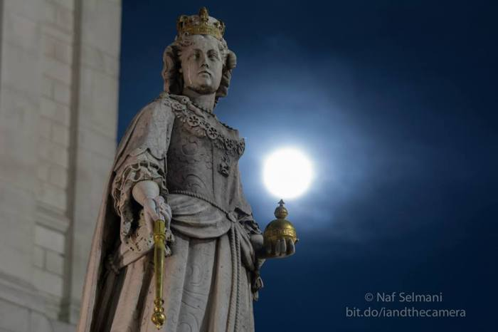 Supermoon rising behind the statue of Queen Ann outside St Paul's Cathedral. Image credit: Naf Selmani More photos on I and The Camera in London — in London, United Kingdom.